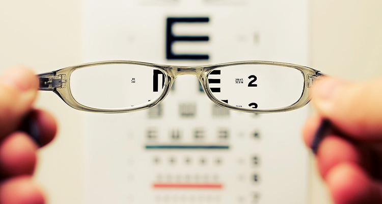 badanie-zwyczajne-recesji-wzroku